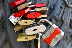 Fechamentos do amor em Berlim Fotografia de Stock Royalty Free