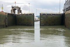 Fechamentos do canal do Panamá, curso, América Central imagem de stock