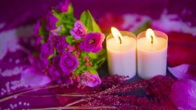 Fechar día de San Valentín con el ramo, cantidad ardiente de la vela