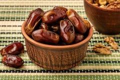 Fechas secadas deliciosas, un plato preferido de muchos gastr?nomos fotografía de archivo libre de regalías