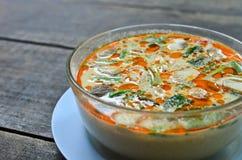 Bacia de sopa tailandesa picante de Tom Yum fotos de stock