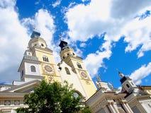 Feche acima da catedral de Bressanone fotografia de stock royalty free
