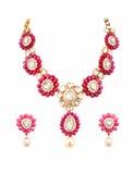 Feche acima da colar de diamante com anéis de orelha Imagens de Stock Royalty Free