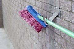 Feche acima da escova de esfrega da lavagem de carro Imagem de Stock