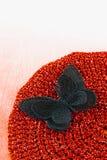 Feche acima da esteira de lugar feita crochê de seda da borboleta disponível foto de stock royalty free