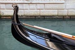 Feche acima da gôndola em Veneza Fotos de Stock Royalty Free