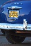 Feche acima da ideia da parte traseira de um carro clássico em Cuba Imagens de Stock