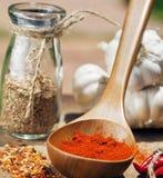 Feche acima da imagem de muitas pimentas encarnados e picante, g Fotos de Stock Royalty Free