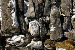 Feche acima da imagem de uma textura da parede drystone fotografia de stock
