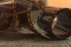 Feche acima da imagem de uma tira velha do filme negativo Imagens de Stock