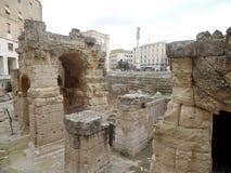 Feche acima da imagem do anfiteatro romano em Lecce, Puglia, Itália do sul imagens de stock