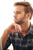 Feche acima da imagem do homem de negócios adulto novo Imagem de Stock
