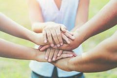 feche acima da mão do grupo na pilha fotografia de stock royalty free