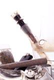Feche acima da marijuana e da parafernália de fumo Foto de Stock Royalty Free