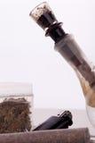 Feche acima da marijuana e da parafernália de fumo Foto de Stock
