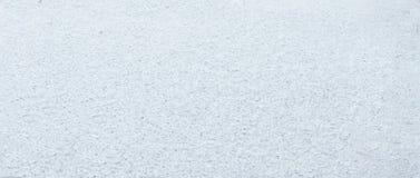 Feche acima da neve branca A neve está no vidro fotos de stock royalty free