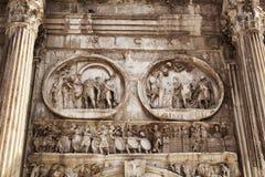 Feche acima da opinião Arco di Constantino imagens de stock