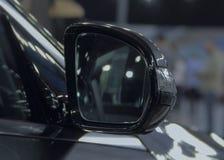 Feche acima da opinião de verso do espelho retrovisor Foto de Stock Royalty Free