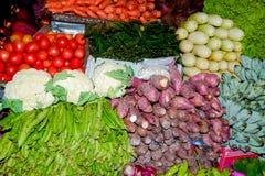 Feche acima da opinião os vendedores pequenos que vendem bens nos mercados em Sri Lanka Imagem de Stock Royalty Free