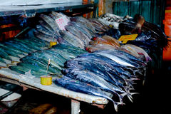 Feche acima da opinião os vendedores pequenos que vendem bens nos mercados em Sri Lanka Foto de Stock Royalty Free