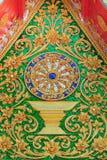 Feche acima da parede decorada na frente de Wat Si Pan Ton Fotografia de Stock Royalty Free