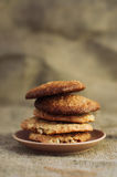 Feche acima da pilha de cookies deliciosas Imagem de Stock Royalty Free