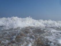 Feche acima da ressaca do oceano Fotos de Stock Royalty Free