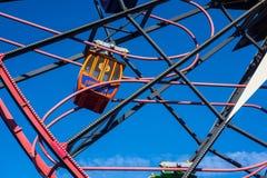 Feche acima da roda do divertimento do ` s de Mickey da aventura de Califórnia Fotografia de Stock