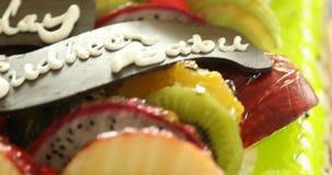 Feche acima da salada de fruto vídeos de arquivo