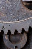 Feche acima da vista das engrenagens do mecanismo velho Imagem de Stock