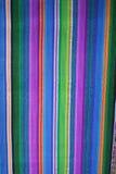 Feche acima da vista de matérias têxteis maias nativas vibrantes Fotografia de Stock