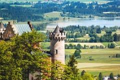 Feche acima da vista do castelo de Neuschwanstein e ajardine em Baviera, Alemanha Fotos de Stock