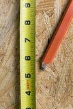 Feche acima das ferramentas do trabalhador manual Imagem de Stock
