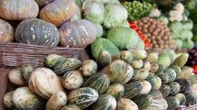 Feche acima das frutas e legumes frescas coloridas Imagem de Stock