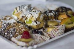 Feche acima das pastelarias italianas fotos de stock royalty free