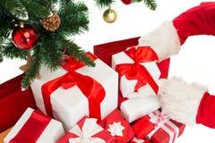 Feche acima de Papai Noel com presentes Fotografia de Stock