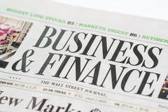 Feche acima de um negócio & financie a seção do uso editorial de Wall Street Journalfor somente imagem de stock