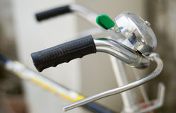 Feche acima de um punho da bicicleta Imagens de Stock
