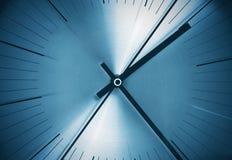 Feche acima de um relógio imagem de stock royalty free