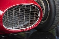 Feche acima de um vintage do carro de esportes do vermelho Fotografia de Stock