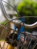 Feche acima de uma bicicleta imagem de stock royalty free