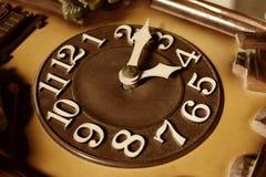 Feche acima de uma face do relógio velha Imagens de Stock Royalty Free