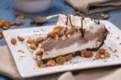 Feche acima de uma sobremesa da torta do gelado Fotos de Stock Royalty Free