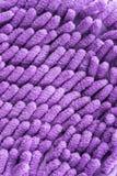 Feche acima de Violet Microfiber Cleaner Glove Fotografia de Stock Royalty Free