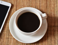 Feche acima do café no copo branco Imagens de Stock Royalty Free