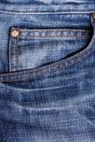 Feche acima do calças de brim Fotografia de Stock Royalty Free
