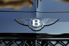 Feche acima do carro preto de Bentley Logo On The Bonnet Of A fotografia de stock royalty free