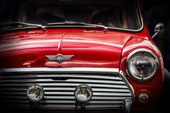 Feche acima do detalhe de mini automobilístico britânico clássico restaurado Imagens de Stock Royalty Free