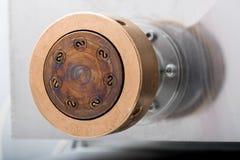 Feche acima do detalhe do metal morrem para a massa do fusilli Imagem de Stock