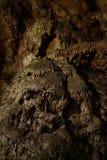 Feche acima do estalagmite na caverna imagem de stock